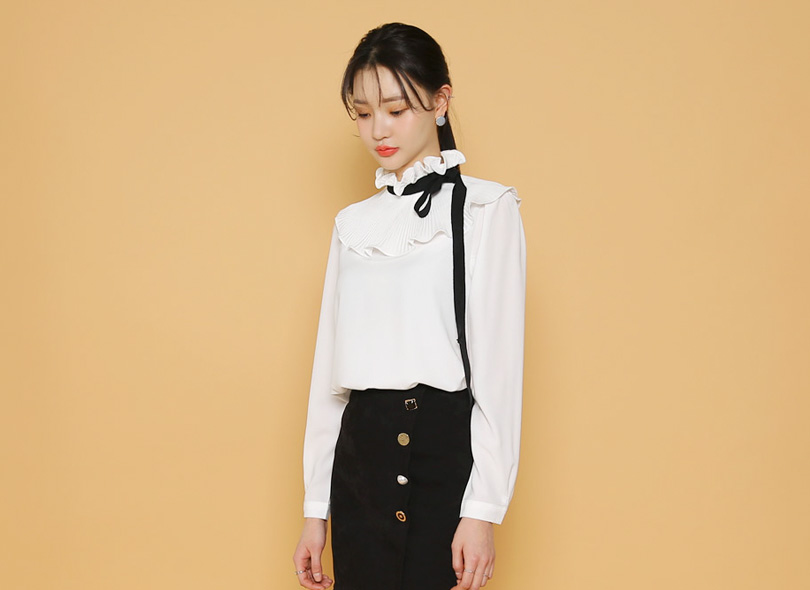 Ribbon-Tied Pleated Neck Blouse
