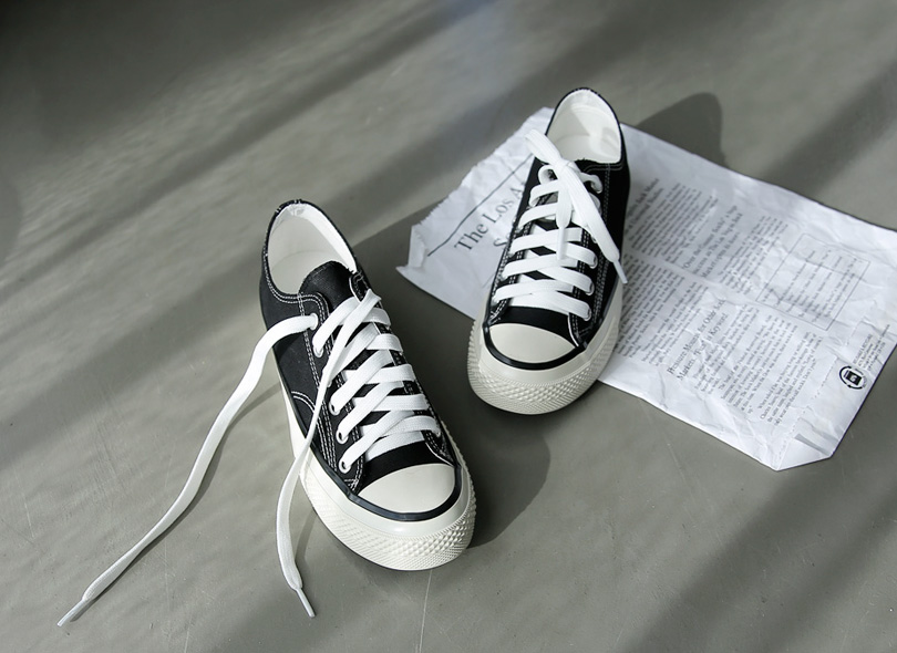 Envylook Classic Lace Up Canvas Sneakers