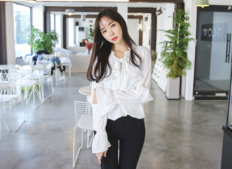 Envylook Tie-Neck Ruffled Blouse