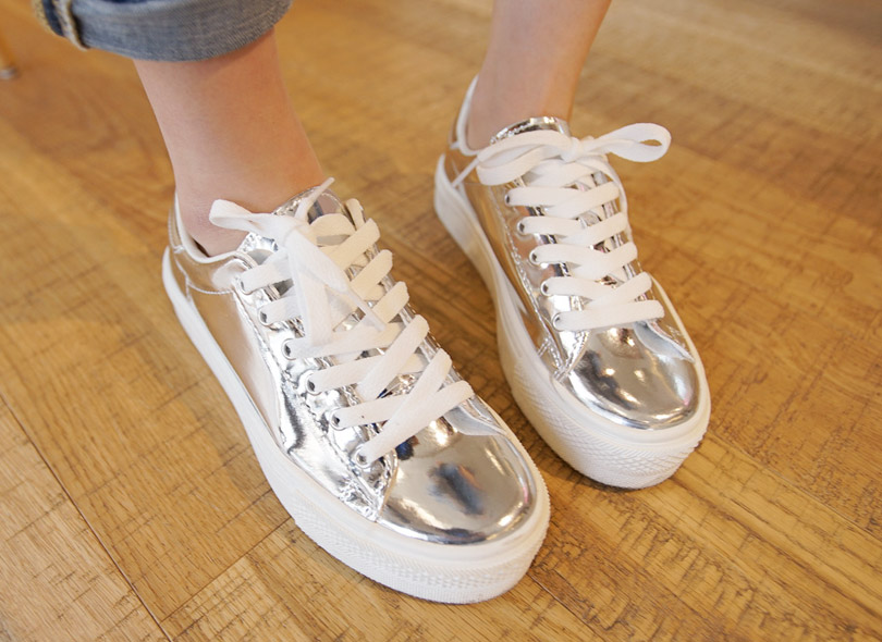 Envylook Glossy Silver Lace-Up Sneakers