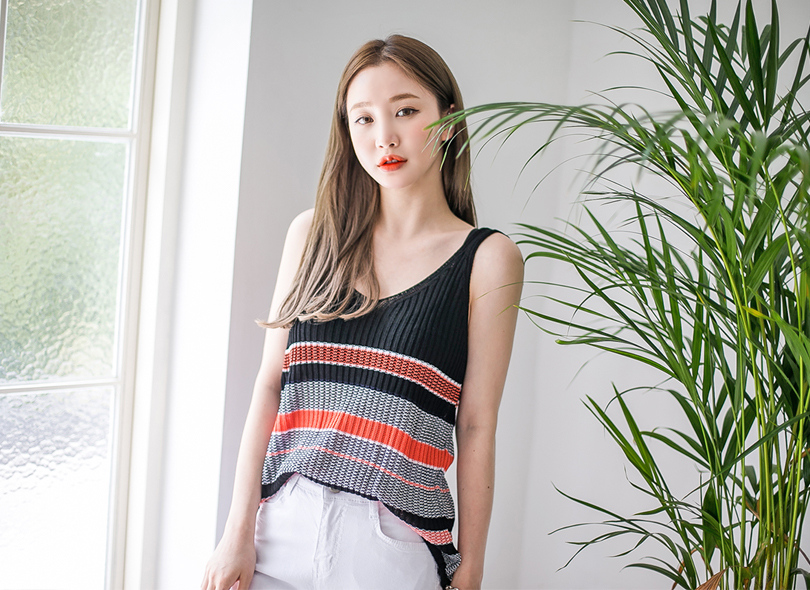 Envylook Stripe V-Neck Knit Top