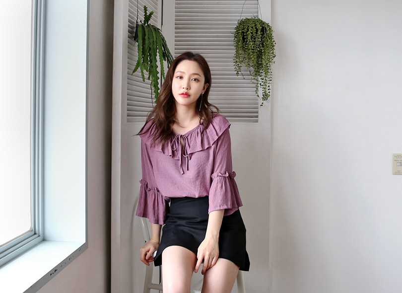 Envylook Ribbon Strap Ruffled Blouse