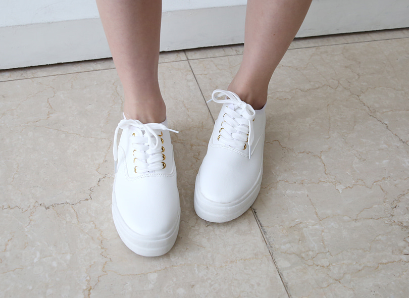 Envylook Lace-Up Canvas Sneakers