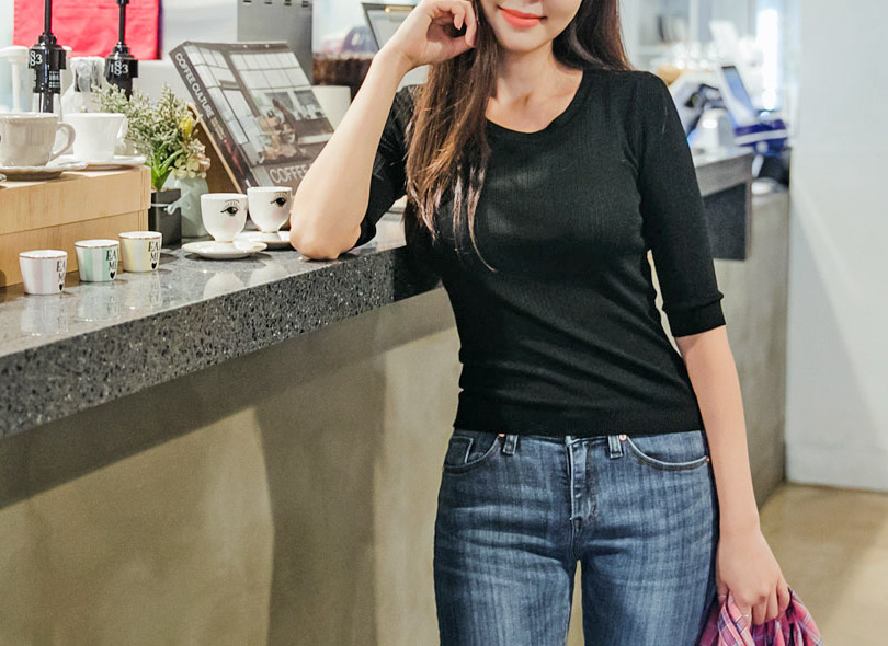 Envylook Solid Tone Half Sleeve Ribbed Knit Top