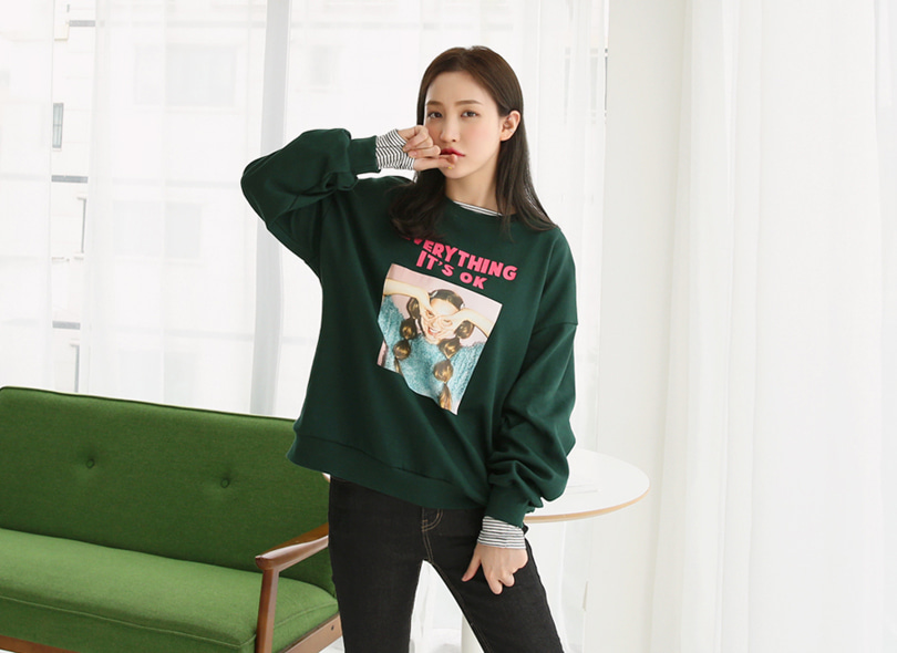 Envylook Graphic Print Round Neck Sweatshirt