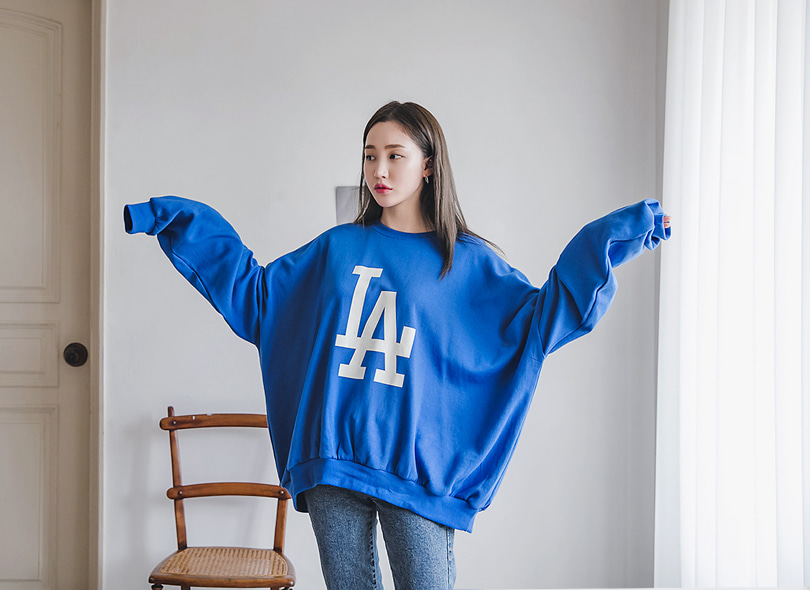 Envylook Oversized Graphic Print Sweatshirt