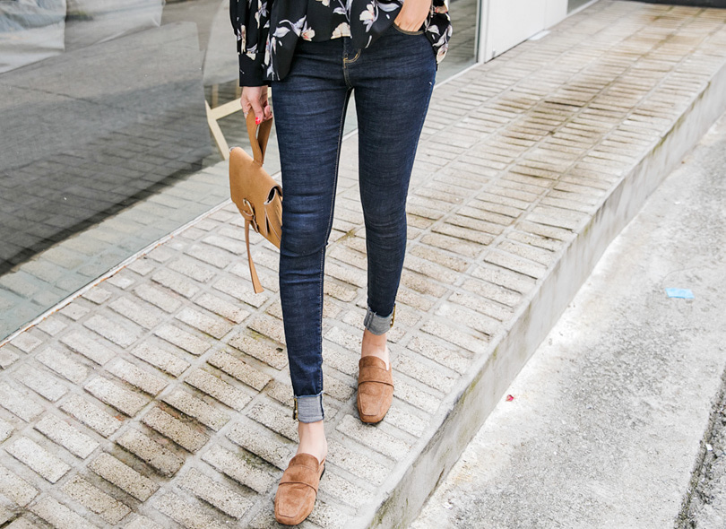 Envylook Studded Cuffs Skinny Jeans